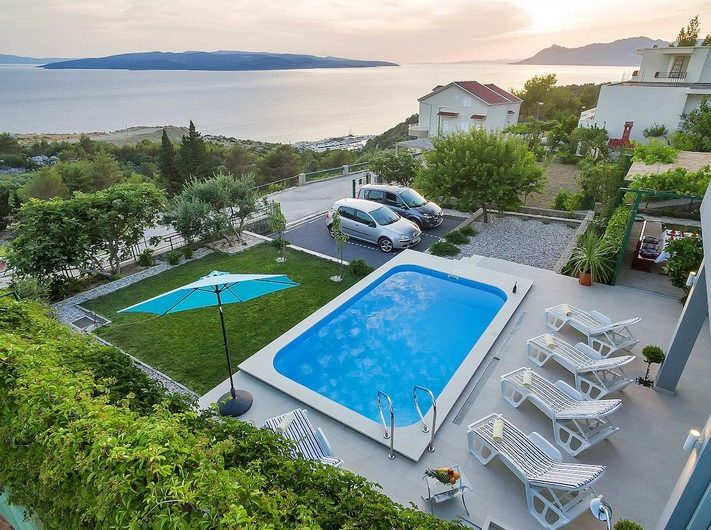 House with swimming pool Makarska