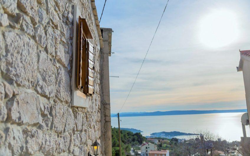 Makarska manja renovirana kamena kuća